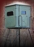The Trophy Tower 5X5 Crossover Blind with 15 ft Deluxe Stand